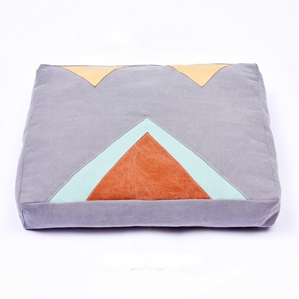 triangle patch cushion (Grey)